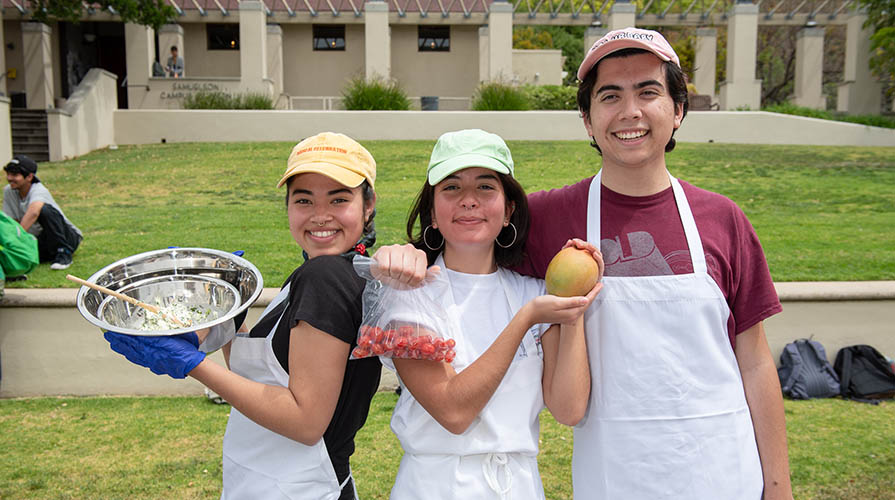 Winners of 2019 Iron Chef competition at Oxy