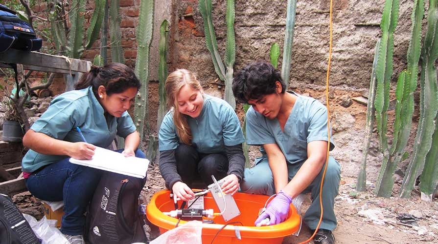 Students conduct scientific research in Latin America