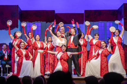 The Oxy Glee Club participates as the chorus in Pacific Opera Project's 2018 production of La Traviata