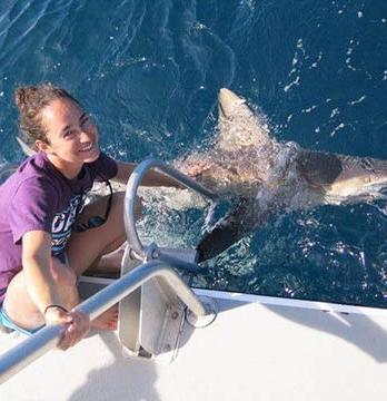 Marine biologist Ellen Goldenberg '15