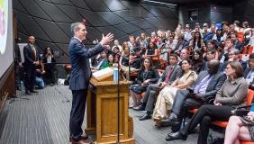 LA Mayor Eric Garcetti presenting at a campus event
