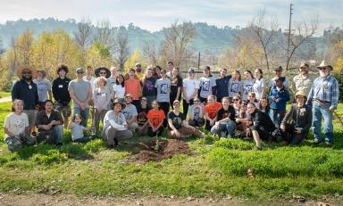 Oxy volunteers at the Audubon Center at Rio de Los Angeles Park